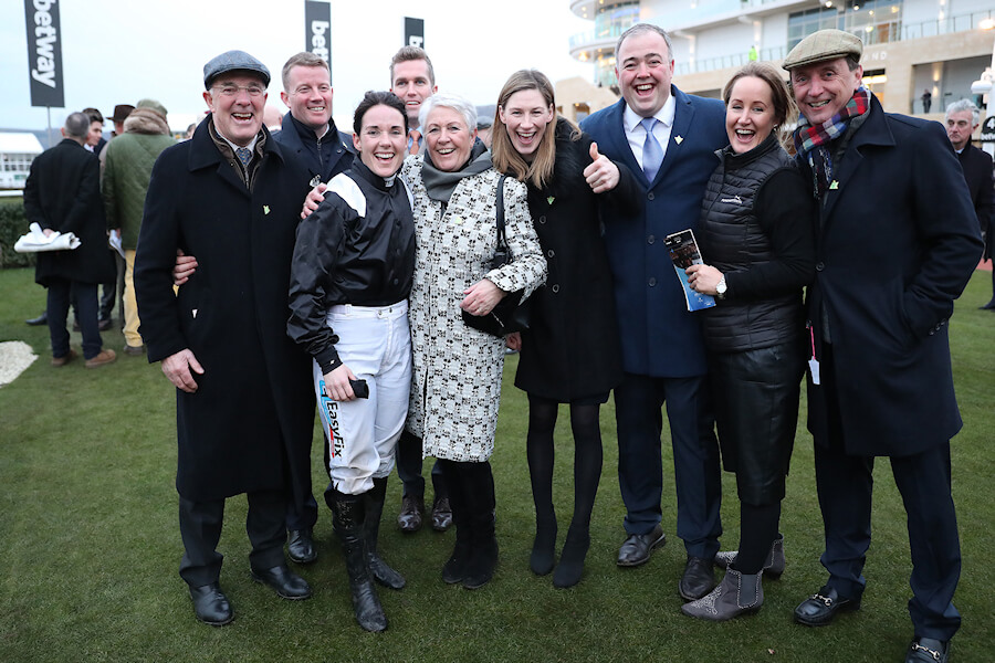 Cheltenham Wed 14 March March 2018  Picture: Caroline Norris Katie Walsh with family and friends, Ted Walsh, Killian MCarthy,Helen Walsh, Nina Carberry, Ted Walsh Jnr, Shona Dreaper and Daragh Fitzpatrick after winning The Weatherbys Champion Bumper on Relegate
